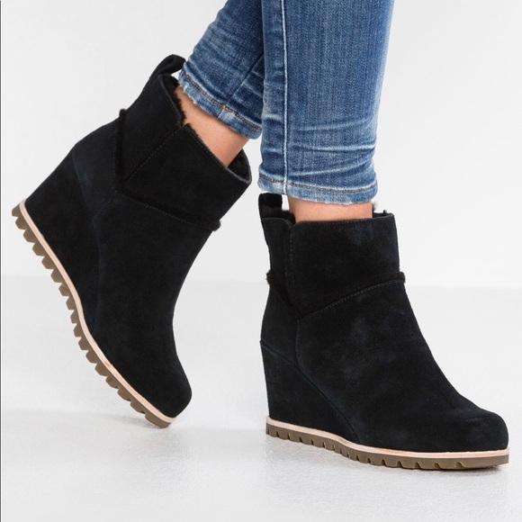 ca83a8b4e59 Ugh Marte waterproof wedge boot black 8